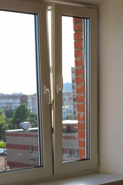 Окно пвх двухстворчатое в кирпичную девятиэтажку купить в св.